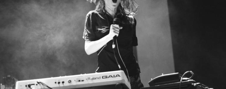 Grimes live in concert
