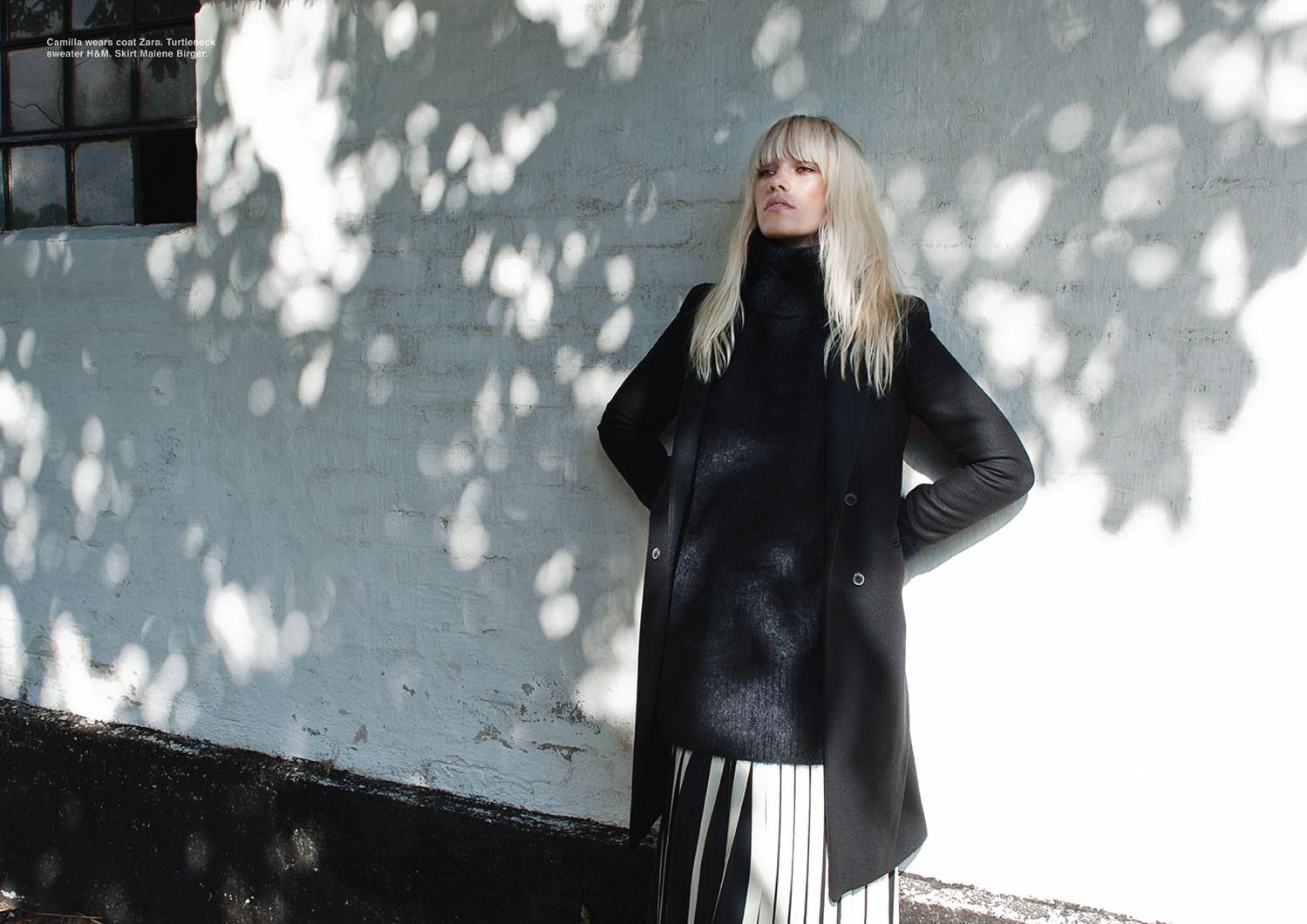 Camilla wears coat Zara. Turtle neck sweater H&M. Skirt Malene Birger.