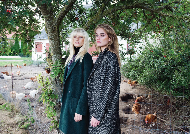 Camilla wears coat Filippa K. Sweater Malene Birger. Dress and shirt Zara. Amalie wears coat Malene Birger.